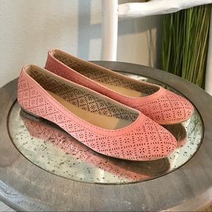 NEW Lucky Brand | Pink Eastlee Perforated Flats